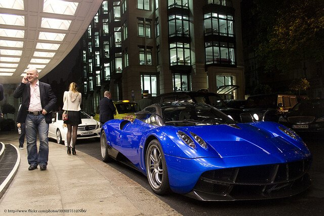 Spanish Coches by Pagani Huarya. Licensed under Creative Commos 2.0